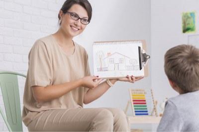 Девушка модель работы психологической службы в образовании работа на шахте для девушек